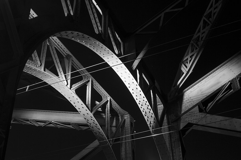 Bogenbrücke aus Stahl
